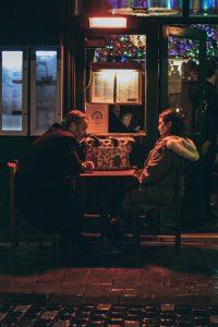 Ángela Becerra colombia poeti scrittori guardarsi amore cctm a noi piace leggere