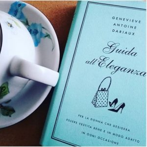 guida all' eleganza Genevieve Antoine Dariaux cctm moda a noi piace leggere