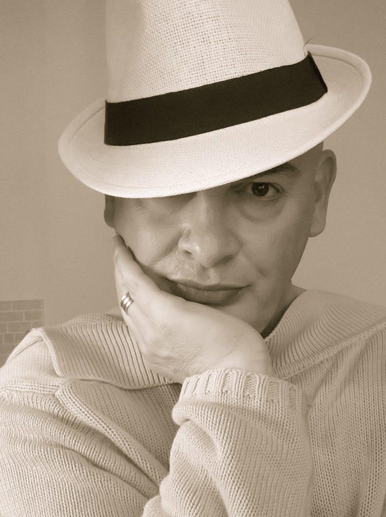 Daniele Bertoni aka Daniele Biancarosa italia cctm poesia a noi piace leggere luce